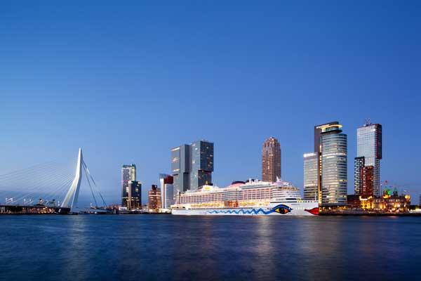 Rotterdam-iStock-1158774450-klein